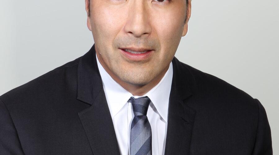 Headshot of Seasoned Oncologist, Paul Y. Song, MD